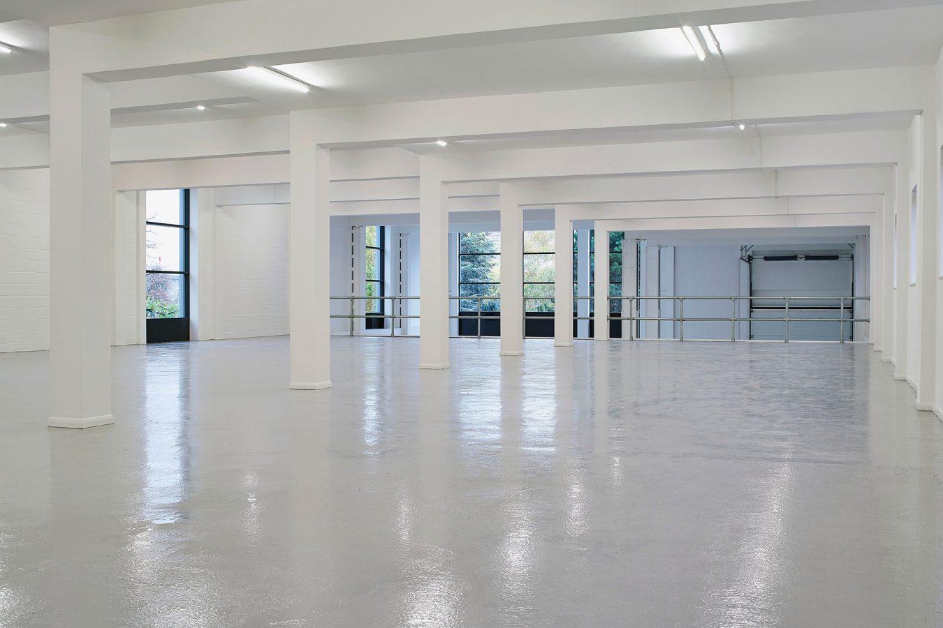 Warehouse refurbishment in Bracknell