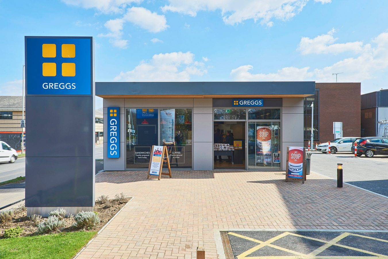 An industrial refurbishment project for Greggs modular pod near Bracknell.