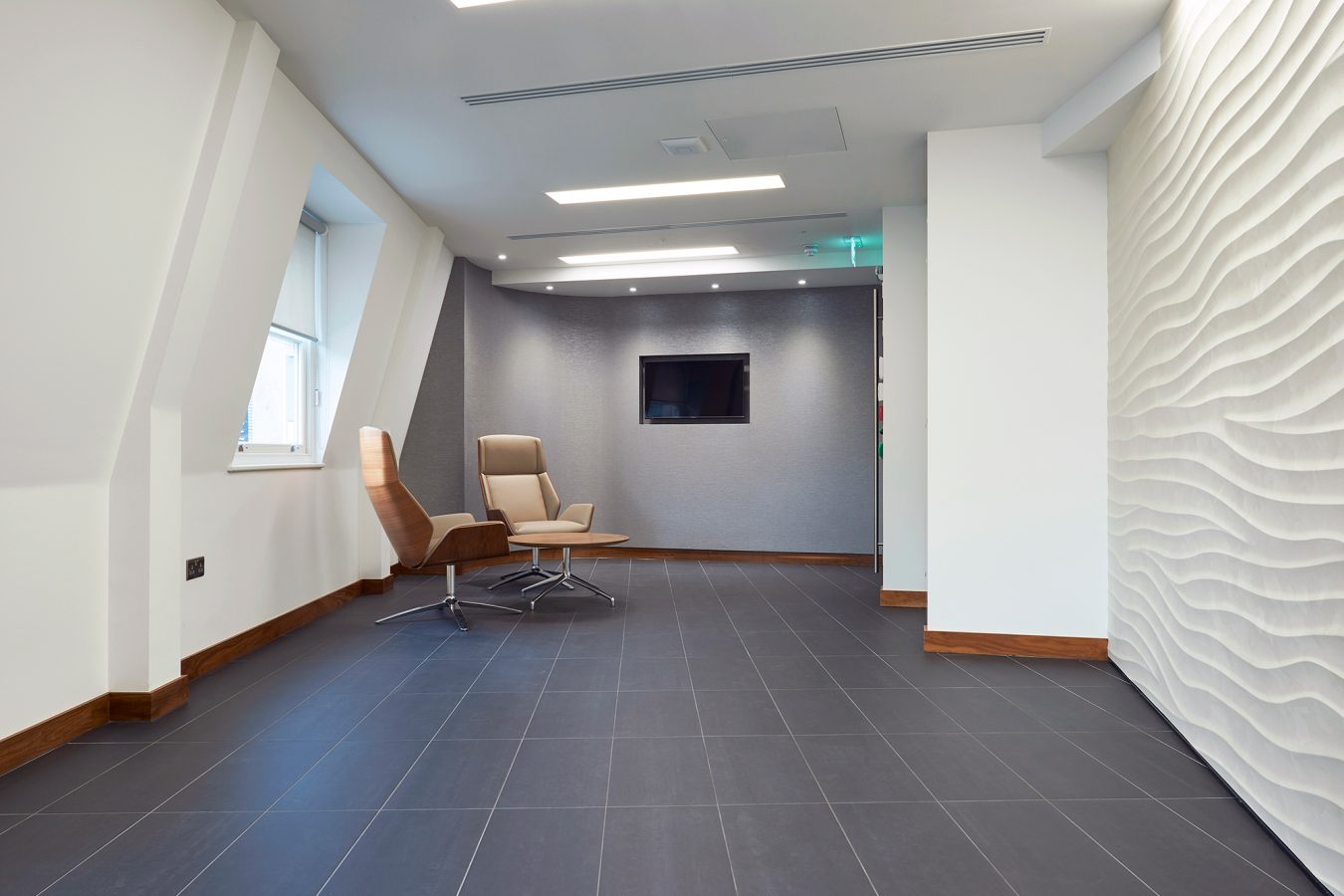 Wall contemporary design for office, in white, meeting room ideas, fit out near London.