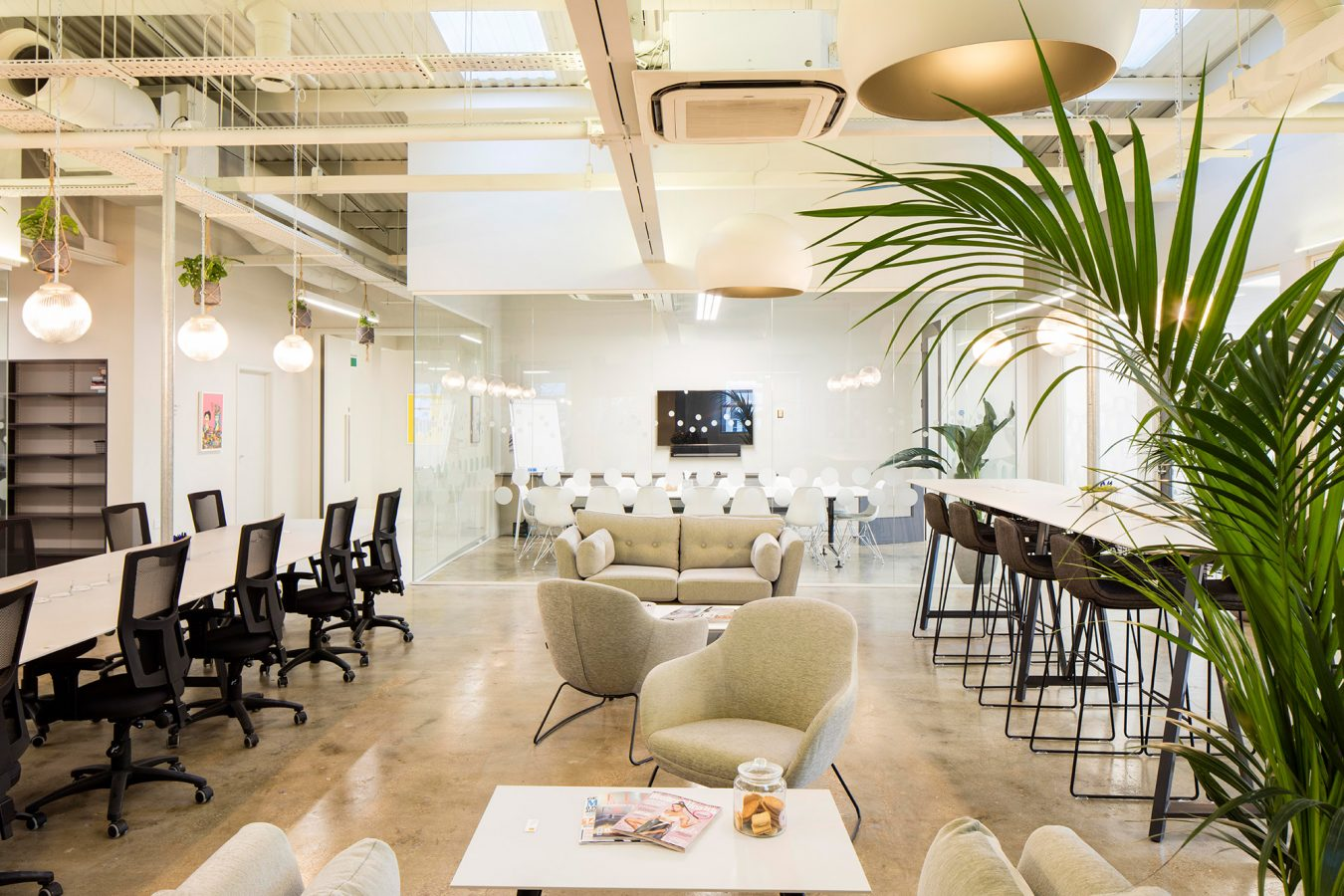 Office fit out design in neutral colours for a co-working space near Finsbury Park.